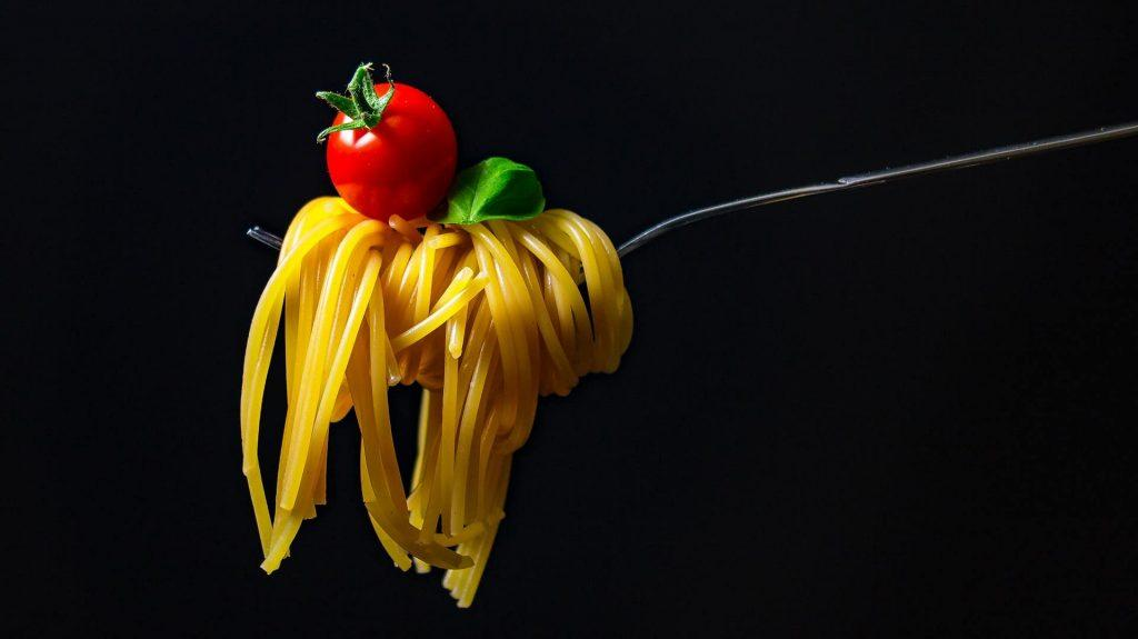 5 Segreti per Adattare le proprie Abitudini Alimentari all'Estero